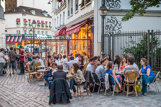 A Café in Paris
