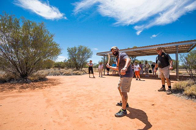 Australia Aboriginal traditions & boomerang