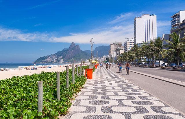 Ipanema-beach-Rio-de-Janerio-Brazil