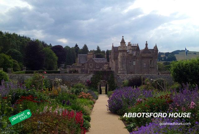 goaheadpost-postcard-abbotsford-house