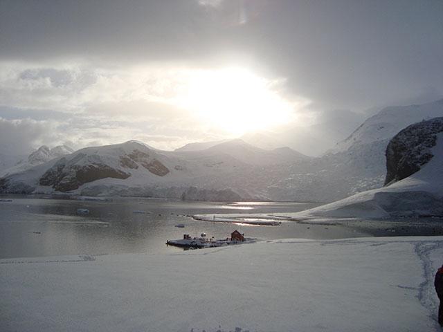 Antarctica_Hike-at-Paradise-Bay-5