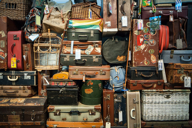 Luggage-vintage-stack-travel