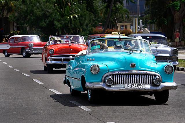 classic-cars_cuba_stephen-parker_640px