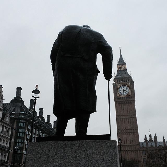 Winston_Churchill_Big_Ben_London