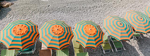 umbrellas_cinque_terre_beach