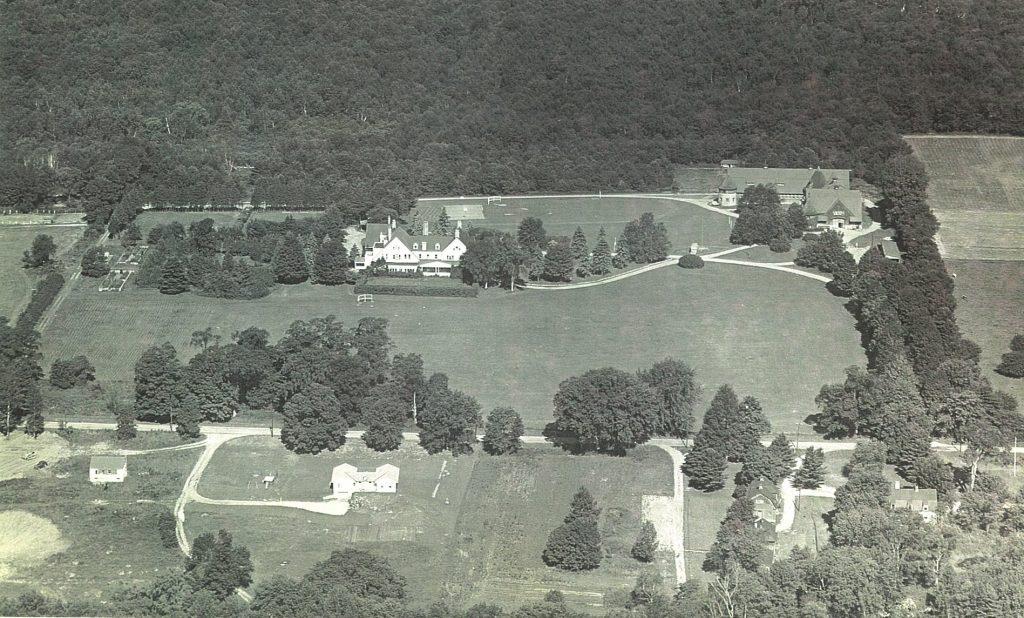 aerial view of 37 Interlaken
