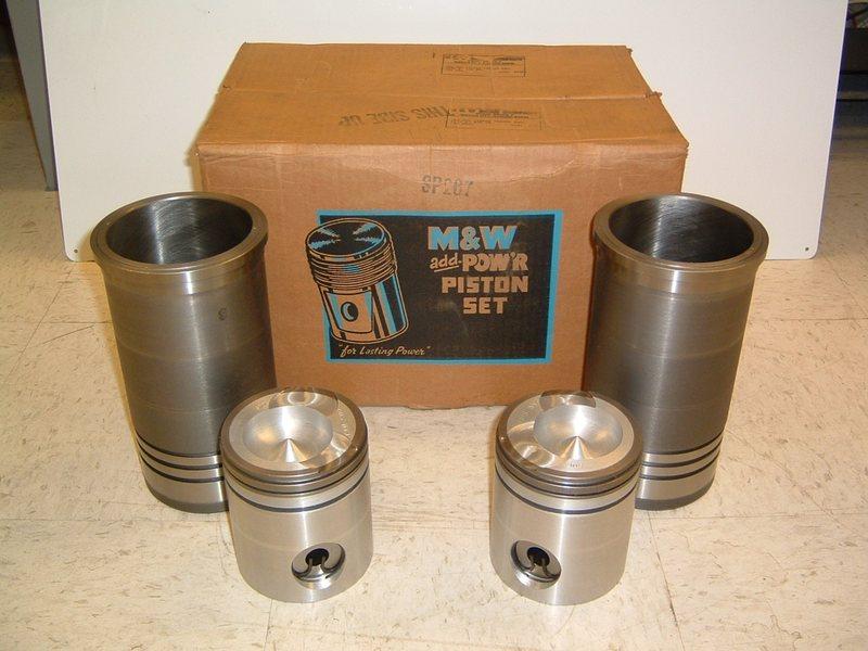M&W Pow'r Seal Piston and Sleeve Set - IH 966 w/ D-414 Engine
