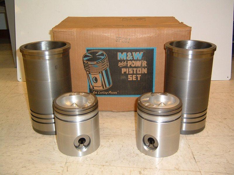 M&W Pow'r Seal Piston and Sleeve Set - IH 1466, 1486, 1566, 1586 w/ DT436 Engine