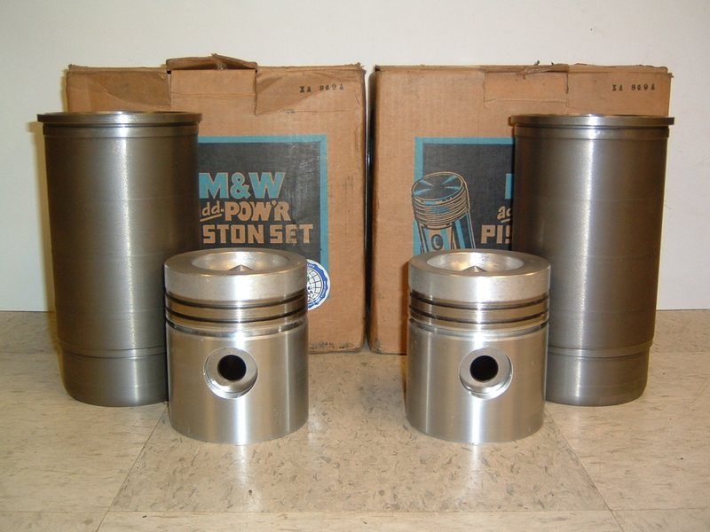 M&W Piston and Sleeve Set - Late John Deere 3020 (after S/N 123,000)