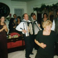 Bob Wilusz, The Strolling Accordionist - German Entertainment in ,