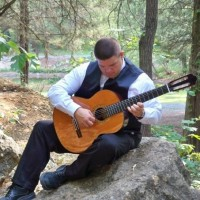 Chas Evans, Classical Guitarist - Viola Player in Jackson, Mississippi