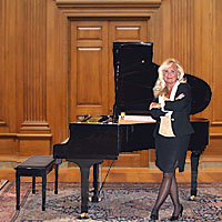 Chicago's # 1 Special Event Pianist Kathie Nicolet - Pianist in Zion, Illinois