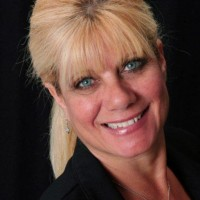 Comedy Hypnotist Cindy Parker-Katz - Interactive Performer in Bradenton, Florida