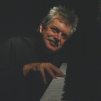 Dan Farrow - Pianist in Traverse City, Michigan