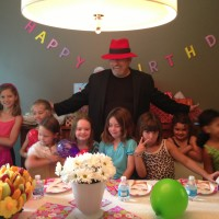 Dan Mindo - Children's Party Magician - Children's Party Magician / Strolling/Close-up Magician in Chicago, Illinois