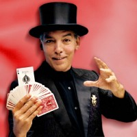 David - Strolling/Close-up Magician in Baie-Comeau, Quebec