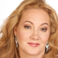Diana Briscoe,soprano - Opera Singer / Italian Entertainment in Glendale, California