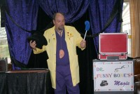 Dr. Funny Bone - Strolling/Close-up Magician in Atlantic City, New Jersey