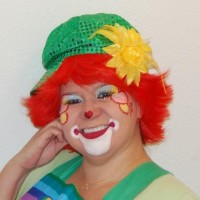 Facepaint,  Balloons, Clown, Airbrush, by Bella - Carnival Games Company in Juneau, Alaska