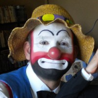 Friendly the Clown - Children's Party Magician in Minneapolis, Minnesota