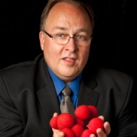 Greg Hubbard - Comedy Magician - Corporate Magician in Naperville, Illinois