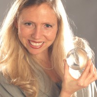 Heather Rogers - Illusionist in San Francisco, California