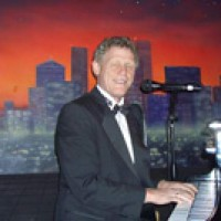 Henry Monzello - Singing Pianist in St Petersburg, Florida