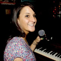 Jenna Hostetler - Singing Pianist in Sarasota, Florida