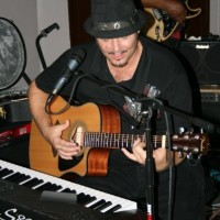 Jon Gibson - Singing Guitarist in Nogales, Arizona