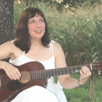 Julie Henigan - Celtic Music in Bolivar, Missouri