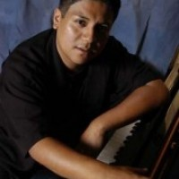 Kiki Sanchez - Keyboard Player in Miami Beach, Florida