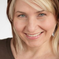 Kim Snyder - Wedding Singer in Everett, Washington