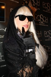 Lady Gaga Impersonator
