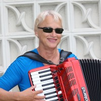 Live Dance Music By Linda - Accordion Player in Seal Beach, California