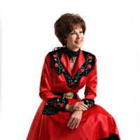 Lori Stegner - Patsy Cline Impersonator / 1950s Era Entertainment in Nashville, Tennessee