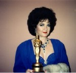 Elizabeth with her second Oscar