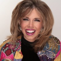 Lyn Dillies - Arts/Entertainment Speaker in Bangor, Maine
