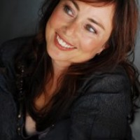 Lynette Louise - Stand-Up Comedian in Santa Barbara, California