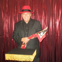 Magician Dan Mindo - Escape Artist in Brownsville, Texas