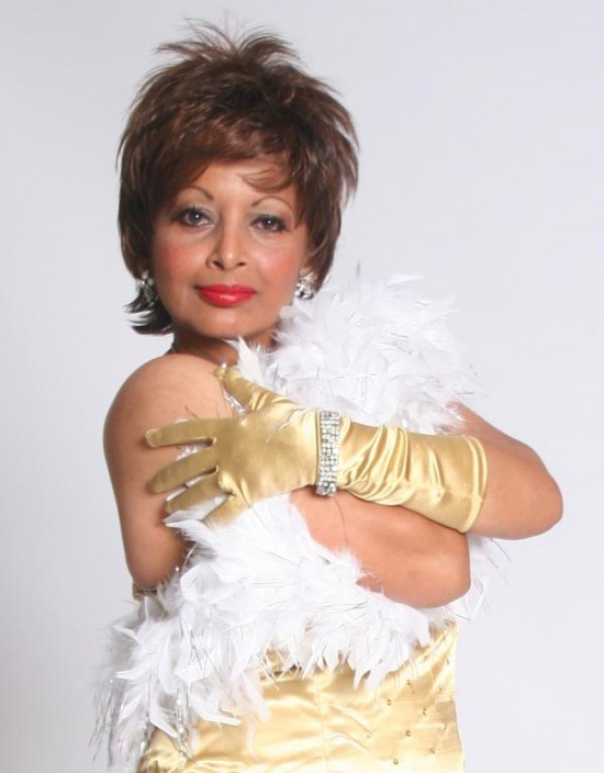 NyAnn as Shirley Bassey