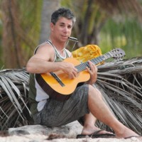 Paka Twain - Guitarist in Oahu, Hawaii