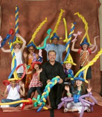Pittsburgh Balloon Artist and Magician for Hire