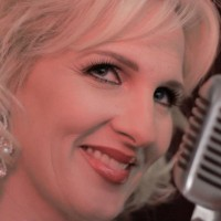 Renee Rojanaro - Wedding Band / Jazz Singer in Redlands, California