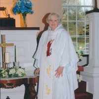 Reverend Marian Tetor - Wedding Officiant in Bethlehem, Pennsylvania