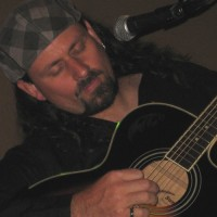 Rob Chiavelli - Singing Guitarist in Orange County, California