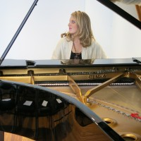Samantha Steitz - Pianist in Glendale, California