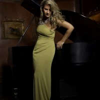Simone With Piano - Brazilian Entertainment in Atlantic City, New Jersey