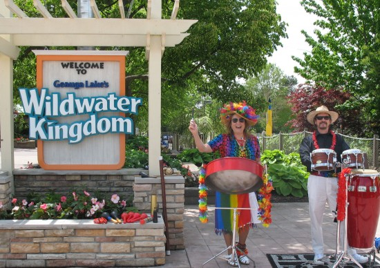 Tricia & Rod at Geauga Lake Wildwater Park.