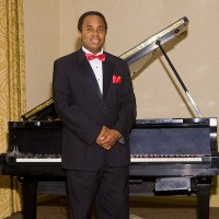 Craig Satchell, Piano, Keyboards, Vocals - Motown Group in Atlantic City, New Jersey