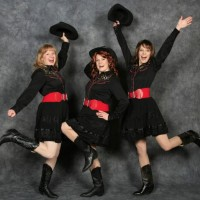 The Dinettes - Country Singer in Pueblo, Colorado